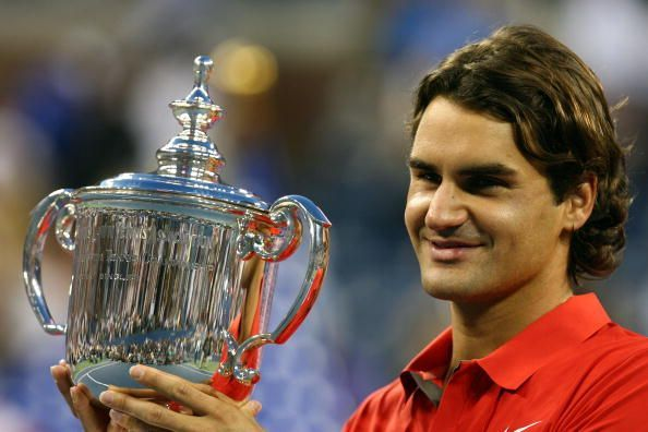 Federer hoists aloft his 5th and most recent title at the US Open in 2008