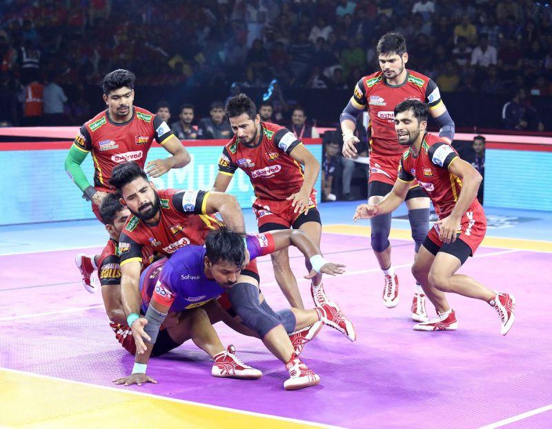 दबंग दिल्ली vs बेंगलुरु बुल्स
