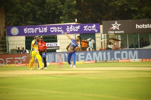 Vinay Kumar is seen in action against the Mysuru Warriors