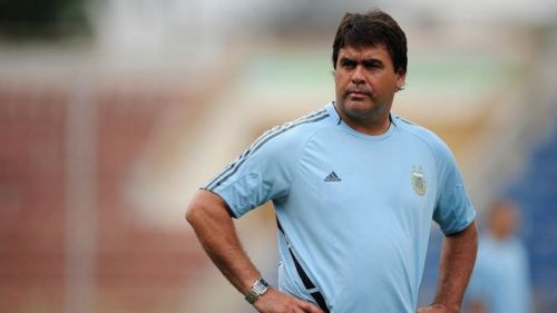Football player José Luis Brown, who scored Argentina's opening goal in their win against West Germany in the 1986 World Cup final, has died at 62.