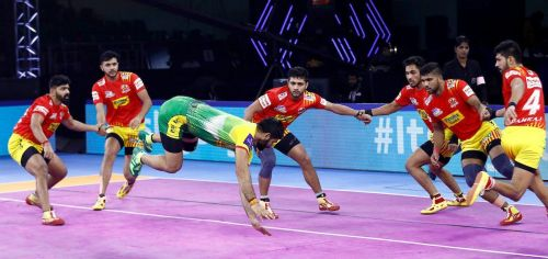 Patna Pirates succumbed as the Fortune Giants edged them in a close-called affair