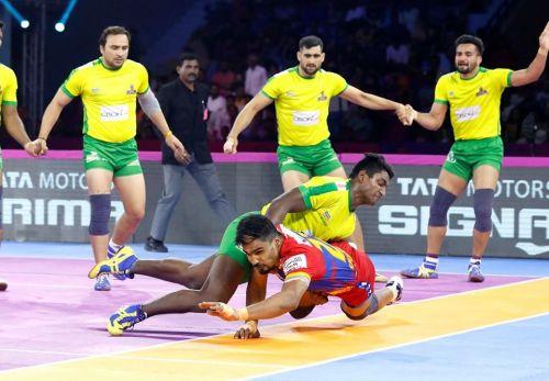 श्रीकांत जाधव के सुपर रेड ने पलटा मैच का रुख