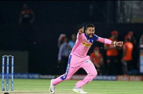 Shreyas Gopal- A batsman turned into leg-spinner.