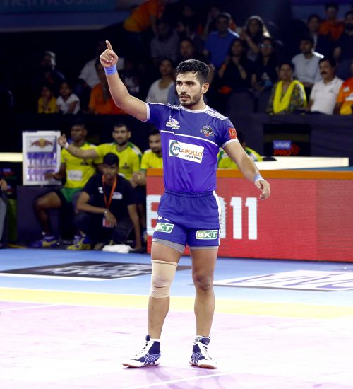 Haryana Steelers' Vikash Kandola celebrates a point