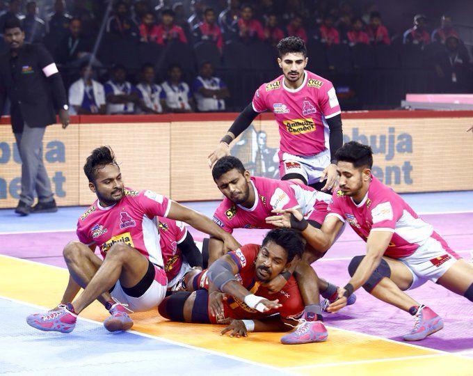 Dabang Delhi demolish the Jaipur Pink Panthers in an intriguing encounter