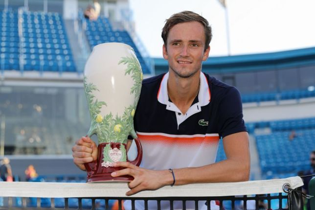 Medvedev poses with his first Masters 1000 title in Cincinnati