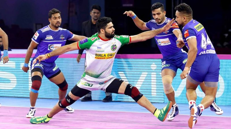 Who will win the battle between Pardeep Narwal and Naveen Kumar?