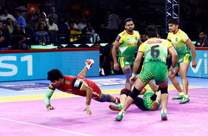 Patna Pirates succumb to the defending champions Bengaluru Bulls