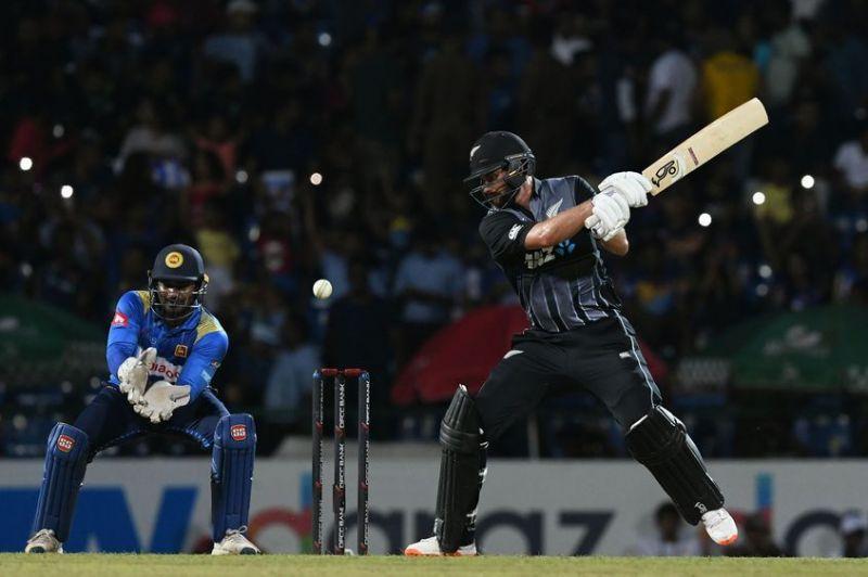 न्यूज़ीलैंड ने 4 विकेट से जीता मैच