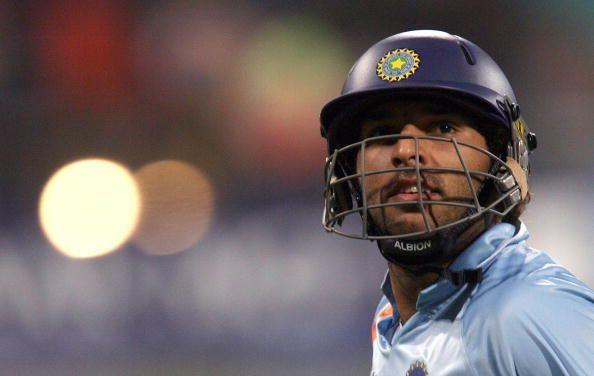 युवराज सिंह ने 12 साल पहले लगाए एक ओवर में 6 छक्के