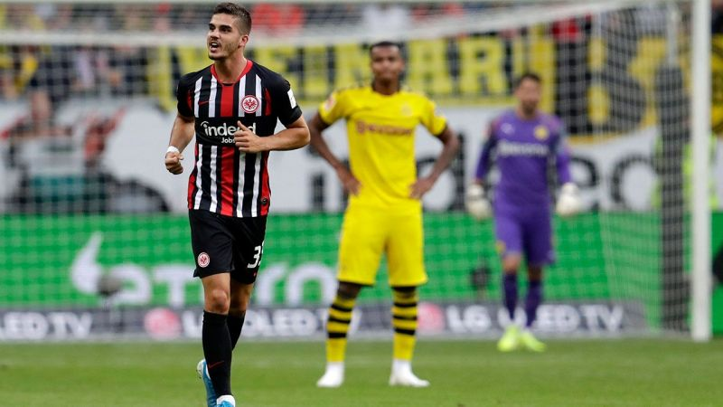 Silva celebrates his first league goal of the 2019/20 campaign as Frankfurt earned a 2-2 draw vs. BVB