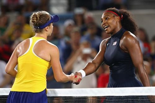 Elina Svitolina (L) and Serena Williams