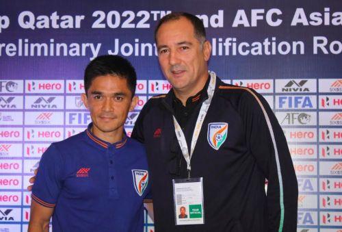 Indian forwa Sunil Chhetri with head coach Igor Stimac