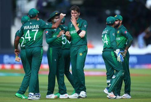Wahab congratulates Shaheen on a wicket against Bangladesh