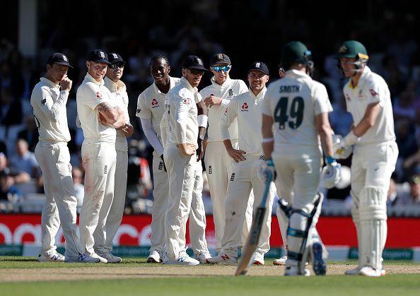 जोफ्रा आर्चर ने पहली पारी में 6 विकेट लिए