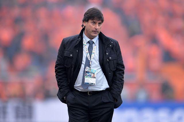 East Bengal coach Alejandro Menendez.