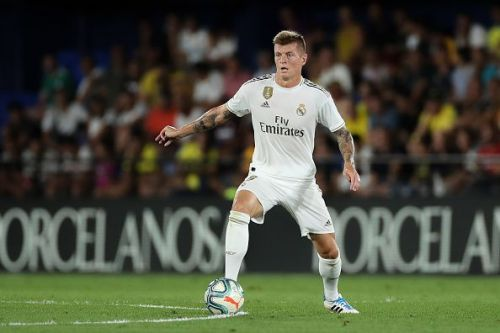Kroos would look to dictate the tempo of the game