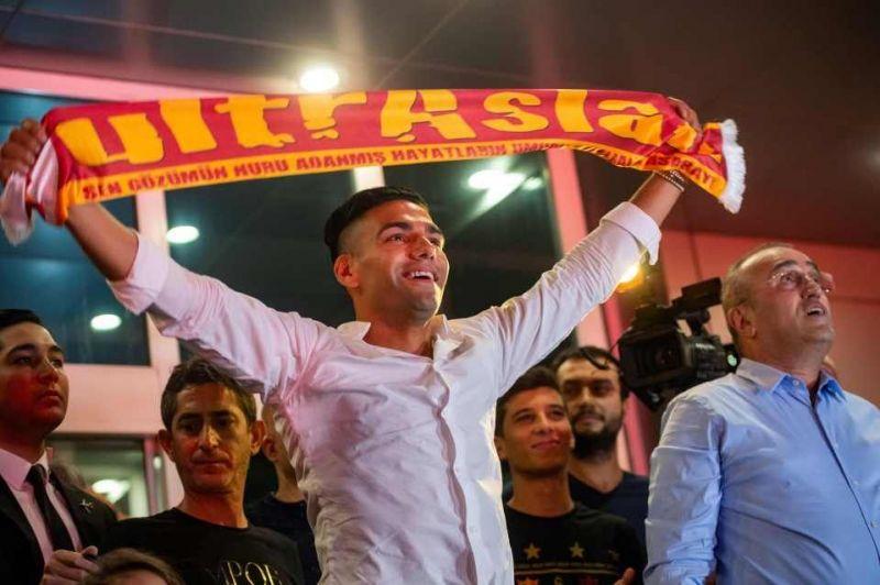 Radamel Falcao was given a hero