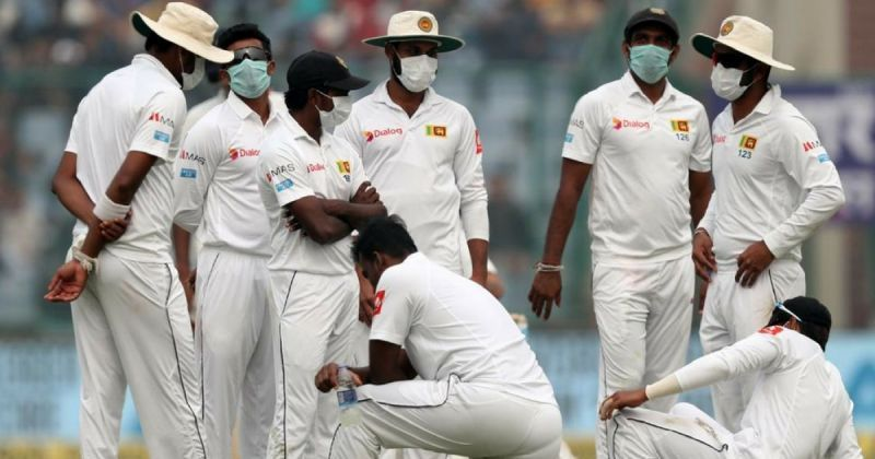 The Sri Lankan players with masks during the Test match against India played in 2017
