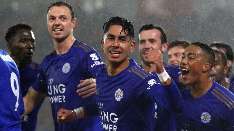 Ayoze Perez celebrates with his Leicester City team-mates