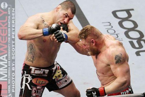 Lesnar vs Velasquez at UFC 121