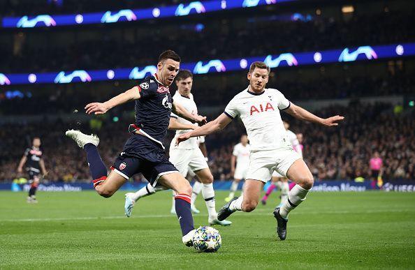 Jan Vertonghen in action v Crvena Zvezda: Group B - UEFA Champions League