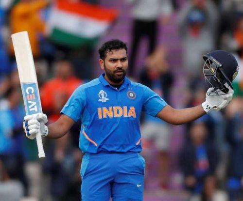 रोहित एकमात्र ऐसे बल्लेबाज हैं जिन्होंने वनडे क्रिकेट में 3 बार दोहरा शतक लगाया है