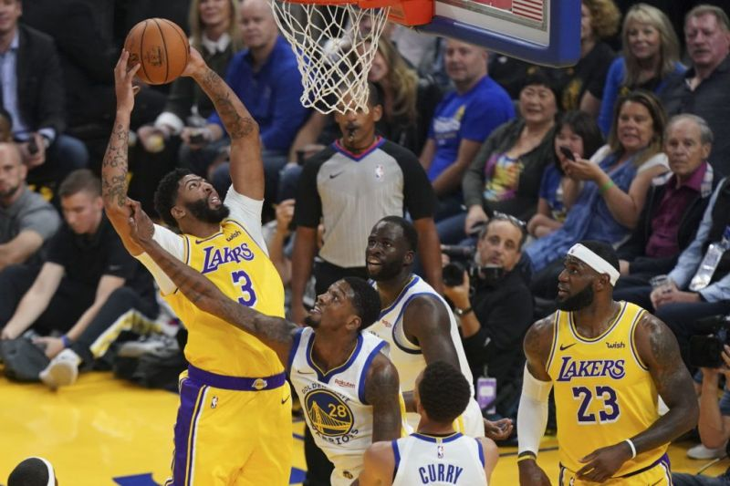 Warriors were dominated in the paint by AD, along with the Lakers