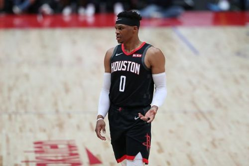 Russell Westbrook is set to play despite injuring his hand against the Heat