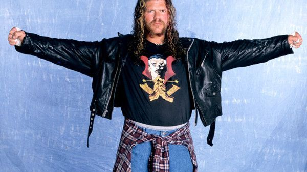 Could Raven help influence the decision of the World Title match at Full Gea