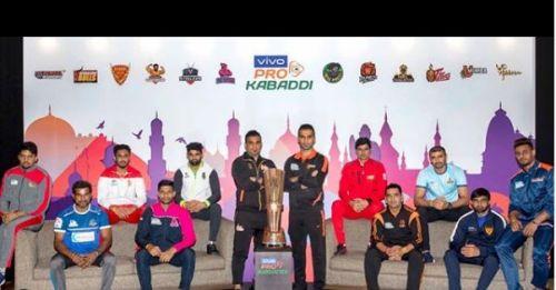 दबंग दिल्ली और बंगाल वॉरियर्स ने सीधे सेमीफाइनल के लिए किया है क्वालीफाई