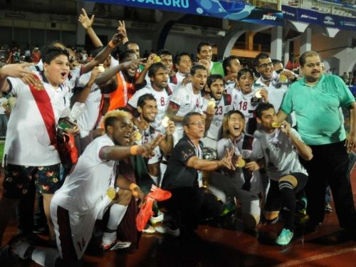 Mohun Bagan players with the I-League title in 2015