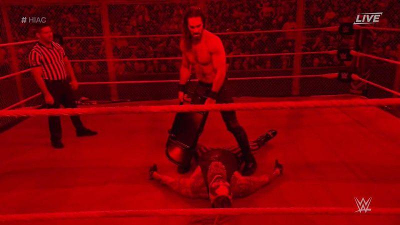 ब्रे पर कुर्सियों से हमला करते सैथ