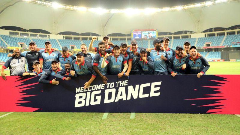 टी20 वर्ल्ड कप के लिए क्वालीफाई करने के बाद नामीबिया की टीम (Photo: )
