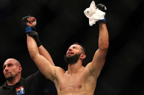 Dominick Reyes stuns the MMA world with a vicious first-round KO of Weidman