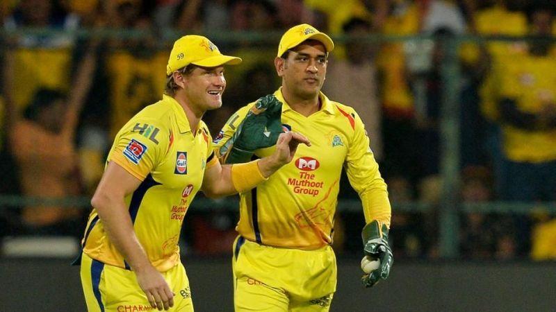 आईपीएल मैच के दौरान वॉटसन और धोनी