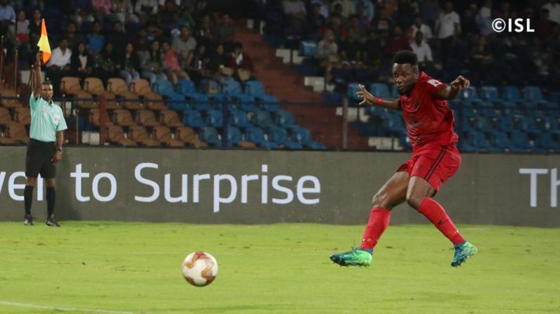 Jose Leudo straying offside against Bengaluru FC (Photo credit: ISL)