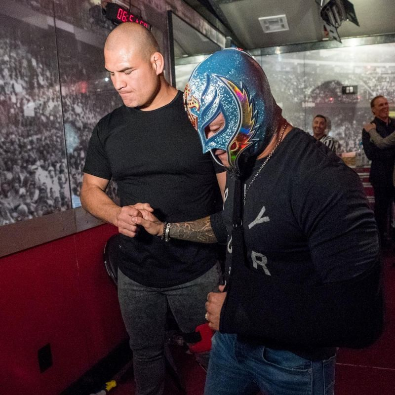 Cain Velasquez with Rey Mysterio! Cesaro and Charlotte with a fun moment!