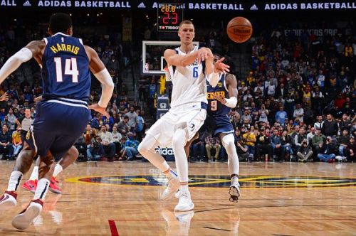 Kristaps Porzingis was effective on both ends of the floor for the Dallas Mavericks