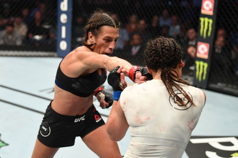 Joanna Jedrzejczyk dominated Michelle Waterson to take a lopsided decision
