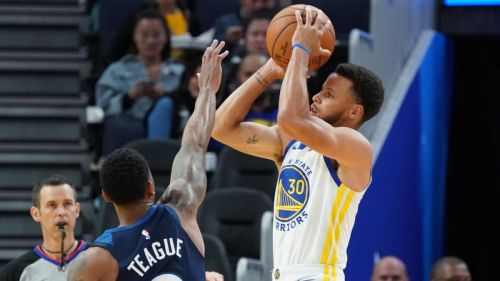 Steph Curry erupted for 40 points in just 25 minutes in a preseason blowout of the Timberwolves