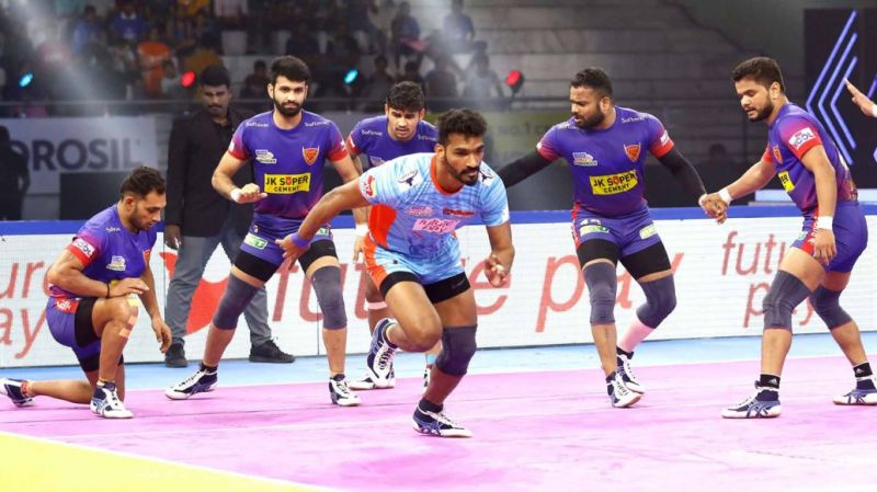 Can the season's top two teams, Dabang Delhi and Bengal Warriors meet each other in the final?