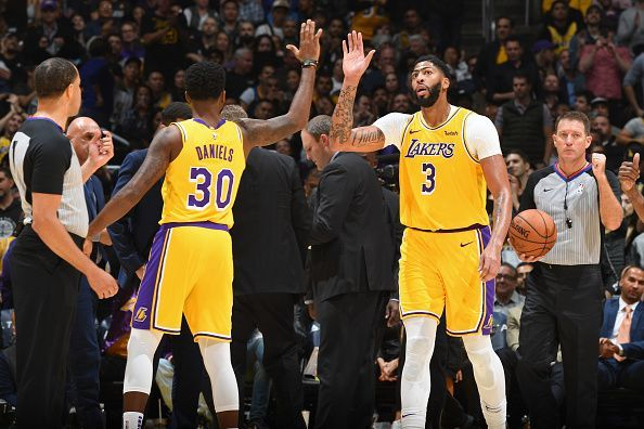 Anthony Davis led the way for the Lakers tonight