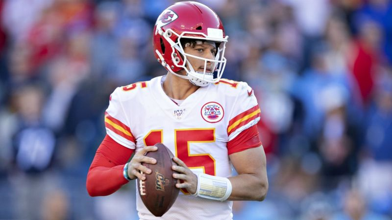 PatrickMahomes-cropped