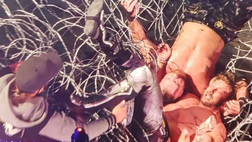 Kenny Omega has a warning for Jon Moxley after AEW Full Gear (Photo Credit: Twitter and AEW)