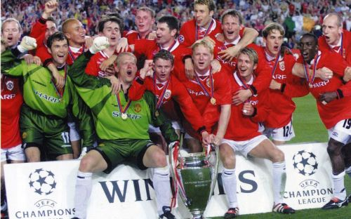 Manchester United rejoice after winning their second Champions League title in 1999