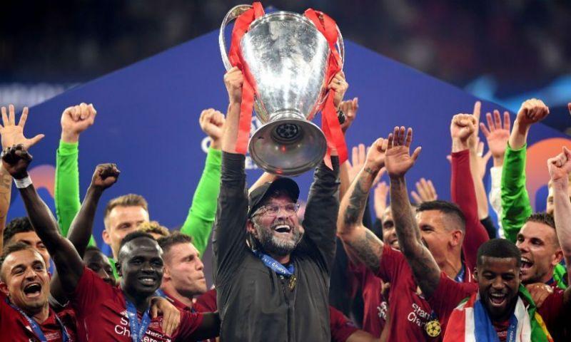 Liverpool celebrate their 2018-19 UEFA Champions League title Real Madrid celebrate their La Decima in 2014