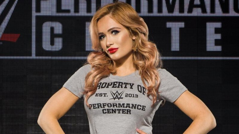 Scarlett Bordeaux has officially signed with WWE