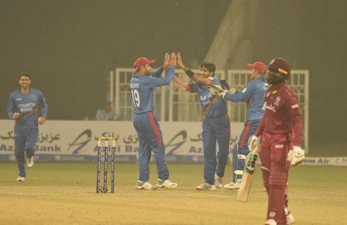 करीम जनत ने 5 विकेट चटकाए