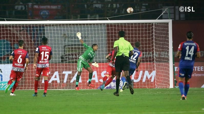 Subrata Pal made a series of outstanding saves against Bengaluru FC. PC: ISL.